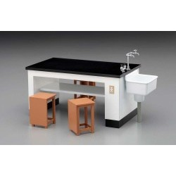 1/12 Science Room Desk & Chairs - HAS62004